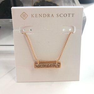 Never worn Kendra Scott Leanor necklace